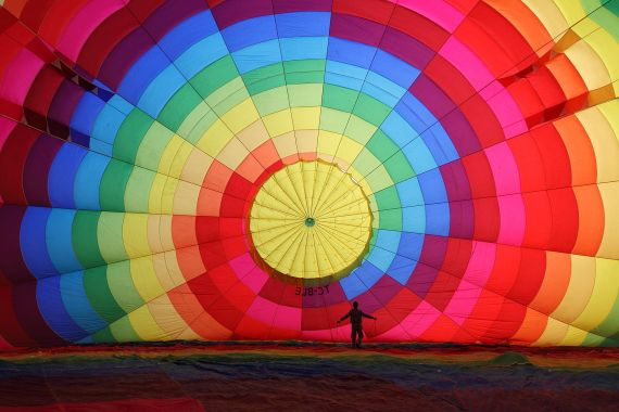 1599px-Cappadocia_Balloon_Inflating_Wikimedia_Commons