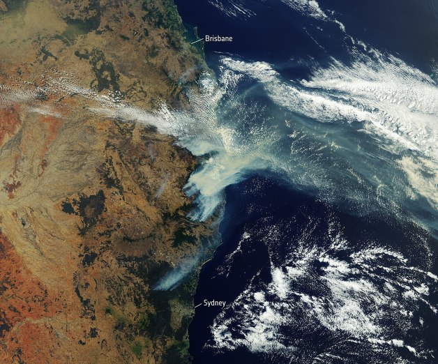 1440px-Satellite_image_of_bushfire_smoke_over_Eastern_Australia_(December_2019)